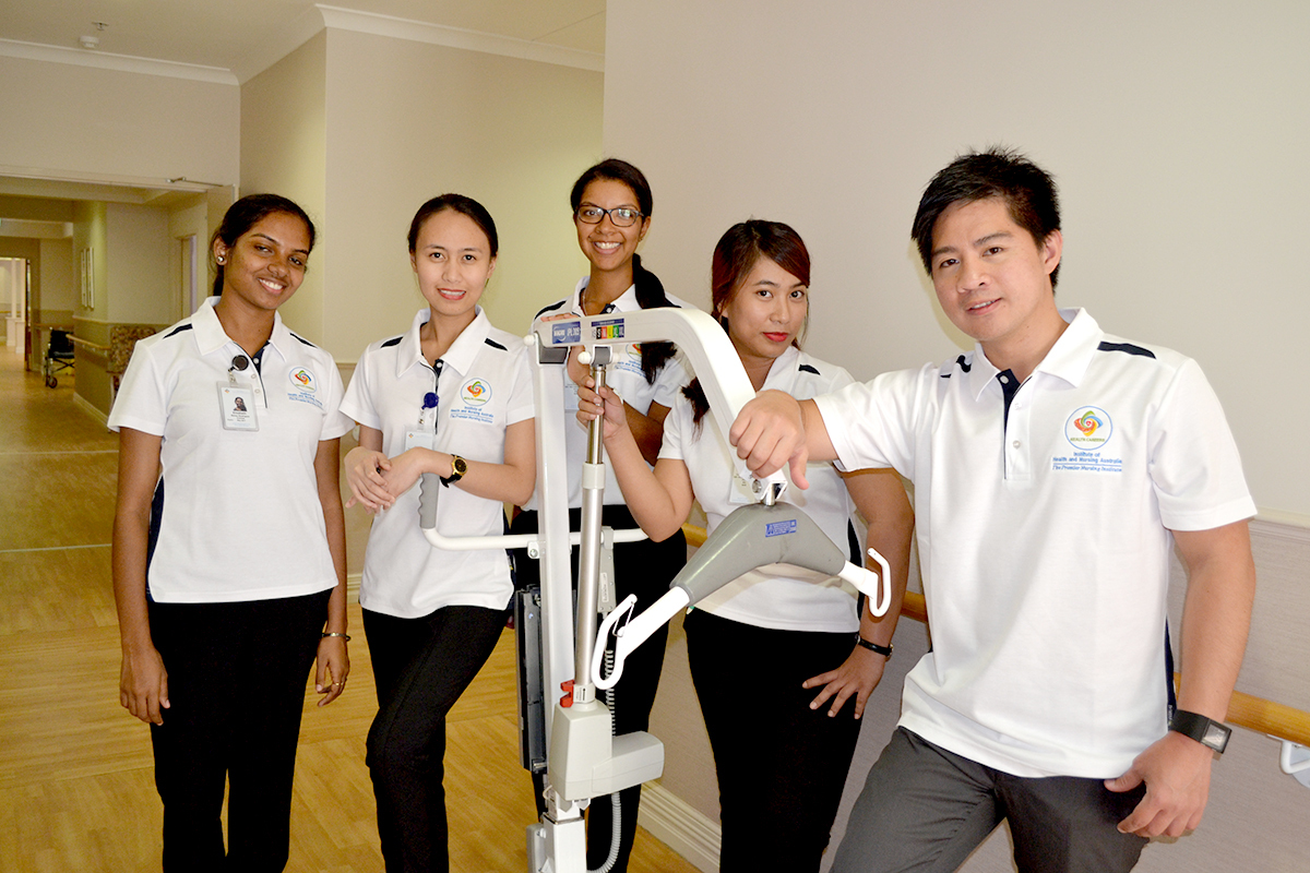 Students-in-aged-care